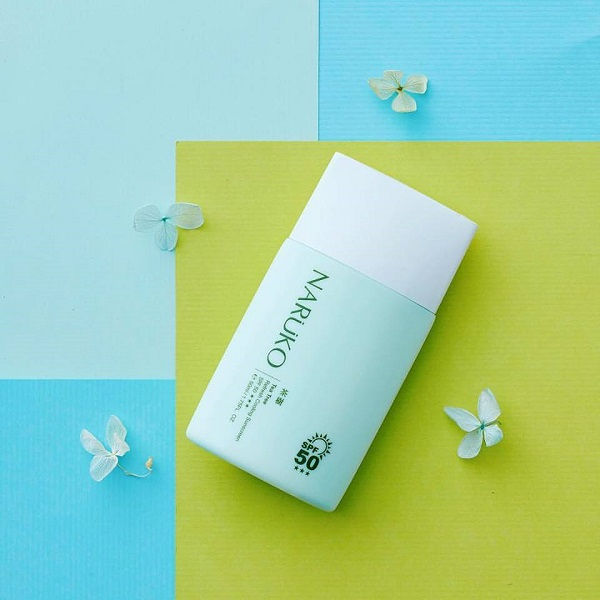 Review Kem chống nắng Naruko Tea Tree Refresh Cooling Sunscreen SPF50 50ml