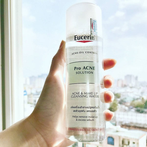 Dòng Eucerin DermatoClean Micellar Cleansing Fluid 3 trong 1